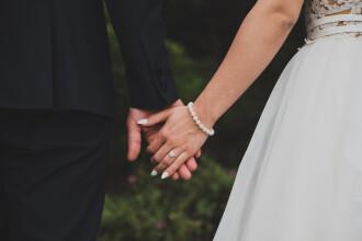 Jefuiți imediat după nuntă. Coșmarul unui cuplu care a rămas fără bani și cadouri