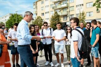 Alianţa USR PLUS a strâns peste 200.000 de semnături pentru candidatura lui Dan Barna