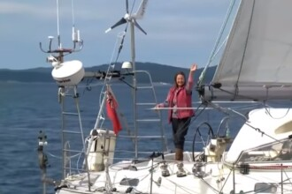 A navigat în jurul lumii de una singură, timp de 320 de zile. Ce record a bătut