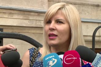 Reacţia Elenei Udrea când e întrebată dacă Traian Băsescu e naşul fetiţei ei