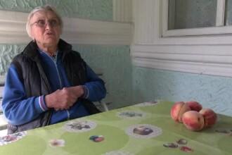 """O femeie din Bacău a căzut în plasa hoților prin metoda """"accidentul"""". Cât a pierdut"""