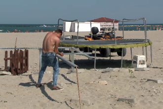 Comercianții își închid afacerile pe litoral, deși vremea ține în continuare cu turiștii