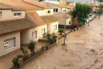 """Bilanț catastrofal după ploile torențiale care au devastat Spania. """"Situația e dramatică"""""""