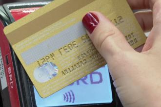 Noile reguli privind plata cu cardul, în vigoare de azi. Care sunt noile cerințe