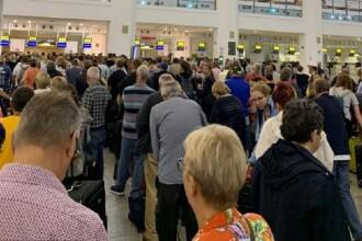 Probleme la zborurile Ryanair în Europa. Motivul pentru care oamenii au stat la coadă