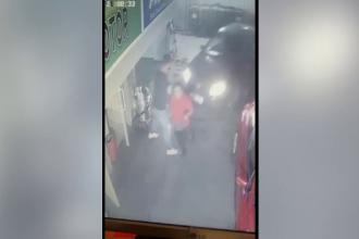 """Șofer scăpat de sub control, în două benzinării din București: """"Putea să fie un carnagiu"""