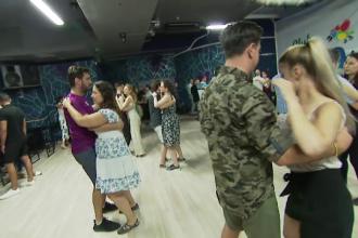 Școlile de dans, o atracție pentru români. Tot mai mulți vin să se relaxeze după muncă