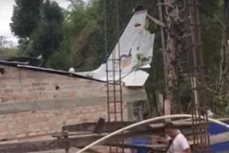 Avion prăbușit peste o casă la scurt timp după decolare: sunt 7 morți și 3 răniți. VIDEO