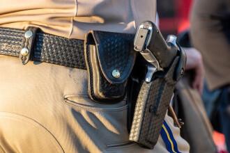 Adolescentă arestată după ce ar fi amenințat că va împuşca ''400 de elevi pentru amuzament''