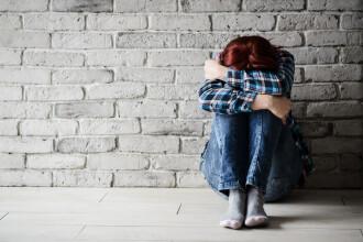 Au torturat o femeie fără adăpost pentru a celebra eliberarea din închisoare. Ce i-au făcut
