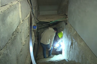 Cadavru găsit în subsolul unui bloc din Târgovişte.