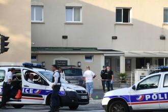 Un bărbat a lovit cu mașina o mare moschee dintr-un oraș francez. Atacatorul a fost arestat