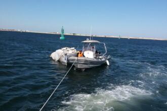 Două ambarcaţiuni cu oameni la bord, salvate de la naufragiu în zona Portului Mangalia