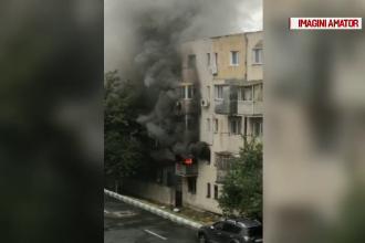 Două persoane au ajuns la spital, în urma unui incendiu într-un bloc din Năvodari