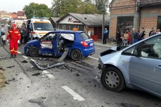 Accident provocat de un tânăr care făcea şcoala de şoferi. Instructorul, grav rănit
