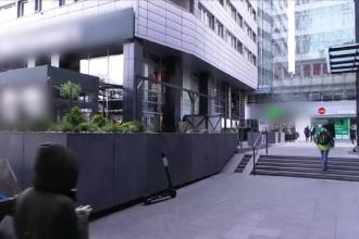 Scene șocante în centrul Varșoviei. Un bărbat a căzut de la etajul 8 peste un turist