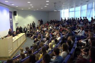 Orice referire la identitatea de gen în școli și universități, interzisă prin lege