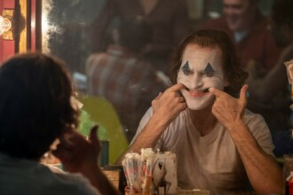 """Cinematografele din SUA interzic fanilor să poarte măşti la proiecţia filmului """"Joker"""""""