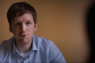 Mărturia unui bărbat care a devenit dependent de filme pentru adulți la vârsta de 12 ani