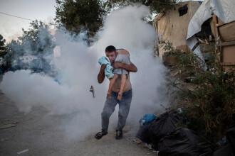 Revoltă și incendiu într-o tabără de refugiați din Grecia. Cel puțin doi morți. FOTO