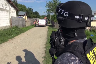 Scandalagiu oprit în trafic cu focuri de armă. Au fost aduse trupe de intervenţie