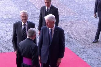 Emil Constantinescu prezent alături de Bill Clinton la funeraliile lui Jacques Chirac