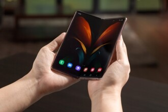 VIDEO. Samsung a prezentat smartphone-ul pliabil Galaxy Z Fold2. Ce specificații are
