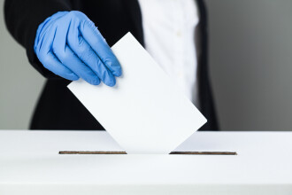 Ce se întâmplă daca ai simptome de COVID-19 când mergi la vot. Anunțul ministrului Sănătății