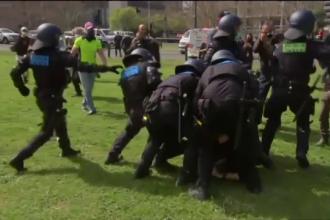 """Australieni arestați pentru """"incitare"""" în urma unor proteste împotriva restricțiilor generate de pandemie"""