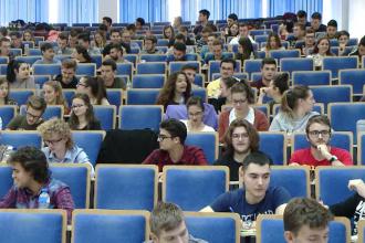 Noul an universitar aduce cursuri de la distanță și mai puține locuri la cămin