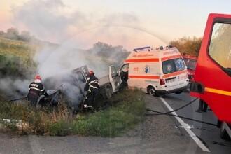 Accident grav între o ambulanță și o autoutilitară. Două persoane au murit. Cine sunt victimele