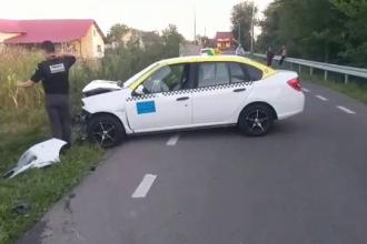 Accident petrecut între Câmpulung și Târgoviște. Un taximetrist a fost rănit