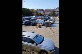 Centrul orașului Tulcea, sub ape deși nu plouă. Au refulat conductele noi, de 120 de milioane de euro