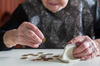 Românii, printre europenii cu cele mai mari datorii. O familie din trei nu face față cheltuielilor lunare