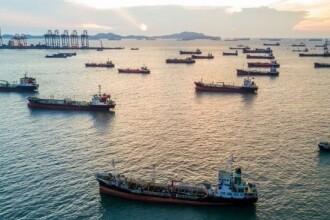 Situație fără precedent. Milioane de tone de motorină şi kerosen plutesc pe mările lumii