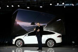 Elon Musk: Tesla vrea să intre pe piaţa maşinilor de serie din Europa cu un automobil compact