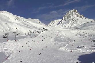 Austria interzice în această iarnă petrecerile în stațiunile de schi