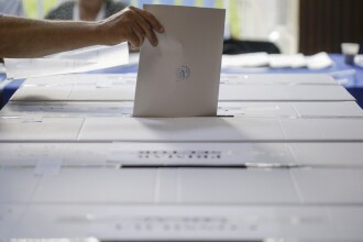 Românii vor vota la orice secţie din străinătate, cu dovada domiciliului sau reşedinţei