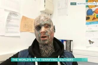 Profesor cu corpul plin de tatuaje, interzis la grădiniță. Un copil a avut coșmaruri din cauza lui