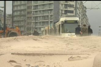 Furtuna Odette a umplut coasta Belgiei cu nisip. Ce s-a întâmplat cu mașinile locuitorilor