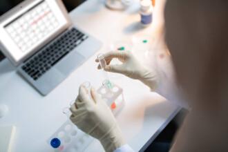 A început cel mai mare studiu clinic din lume al unui test de sânge capabil să depisteze 50 de tipuri de cancer
