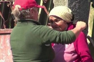Suferința unei bătrâne care a rămas pe drumuri după ce i-a ars casa. Are 5 copii, dar niciunul nu o ajută