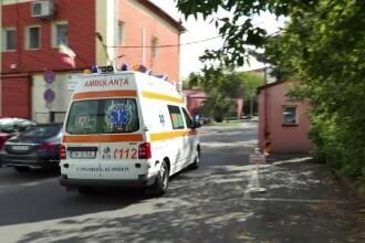 Angajații de la Ambulanța Timiș, obligați să se vaccineze. Ce a pățit o femeie de serviciu care a refuzat