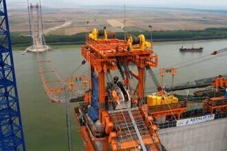 Cablul principal al podului peste Dunăre de la Brăila a fost montat. Imagini de la lucrările celui mai scump pod din România