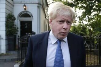 Criza submarinelor. Boris Johnson le cere francezilor să se calmeze, în