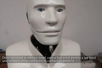VIDEO Un orădean lucrează la un robot menit să ia locul unui angajat uman care intră în contact cu publicul