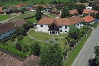 Ținutul celor 100 de castele și conace, e sloganul sub care proprietarii din Covasna invită turiștii să le descopere povestea
