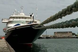 Prima navă cu turiști care ajunge în Constanța, după o pauză de 2 ani. Cum au reacționat americanii când au auzit fanfara