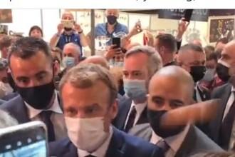 Tânăr arestat după ce a aruncat cu un ou în președintele Franței, fără ca acesta să se spargă. Reacția lui Macron VIDEO