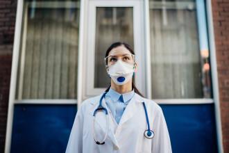 Reacția Federației Sanitas la proiectul de lege care obligă personalul medical să aibă certificat COVID